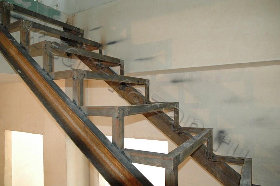 Лестница для дома своими руками на 90