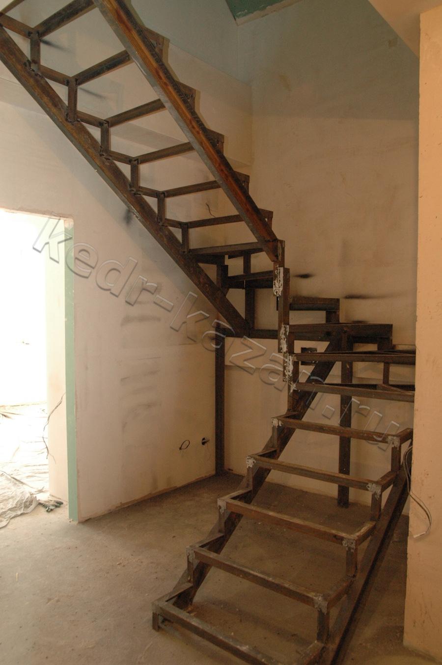 Как сделать лестницу своими руками на металлокаркасе